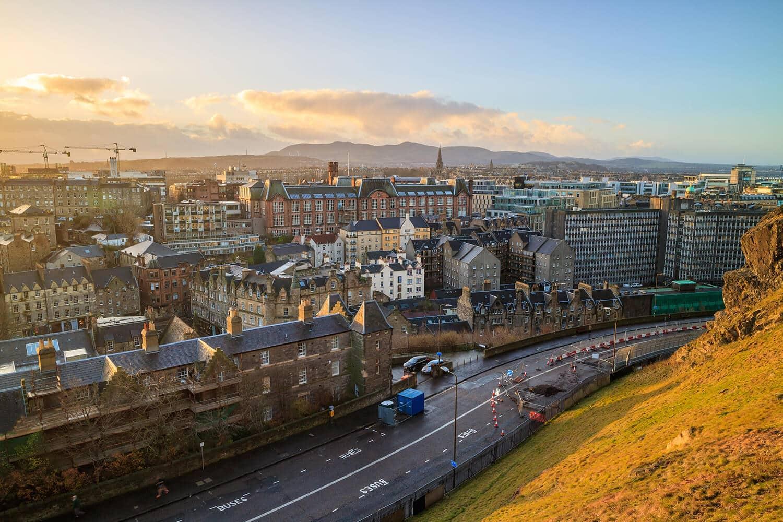 20 Reasons to Study in Edinburgh