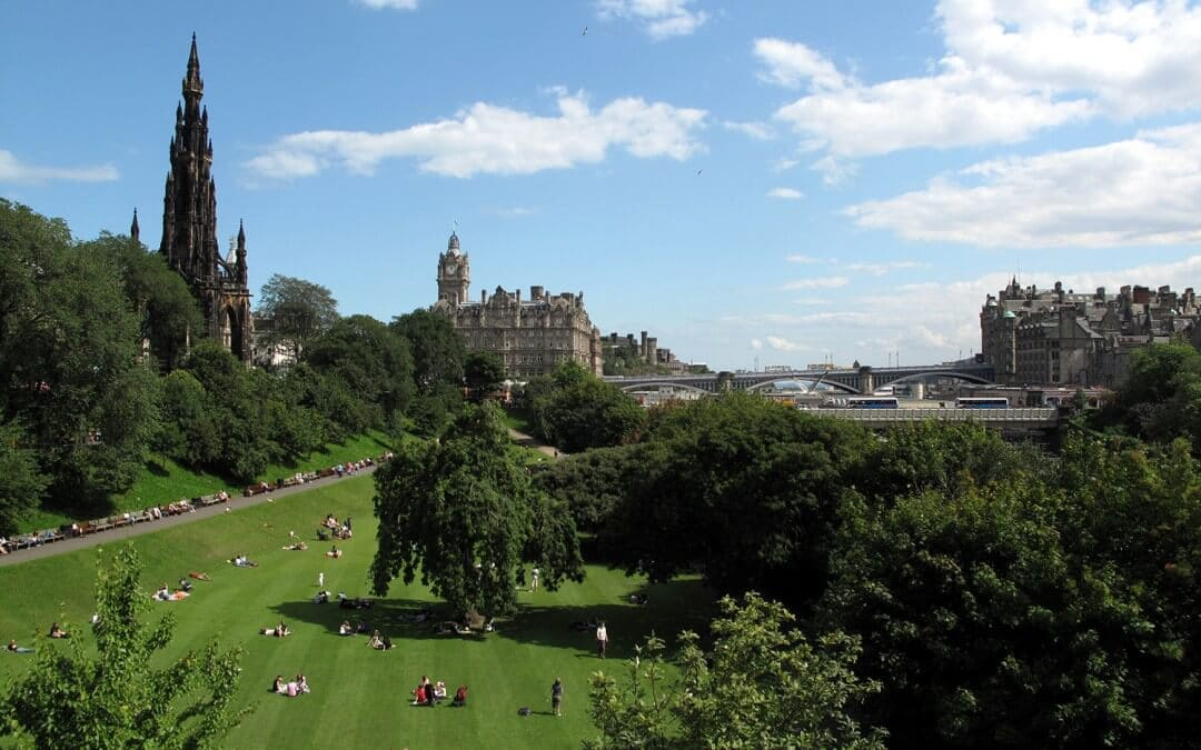 13 Reasons to choose to study English in Edinburgh