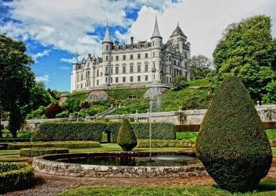 Scotland Dunrobin Castle -453164_1920 by Fotshot via pixabay - Public Domain