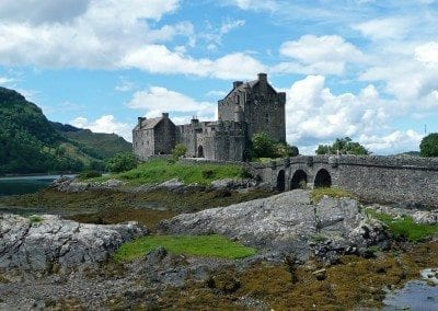 Scotland Eilean donan castle-665556_1920 by Barni1 via pixabay - Public Domain