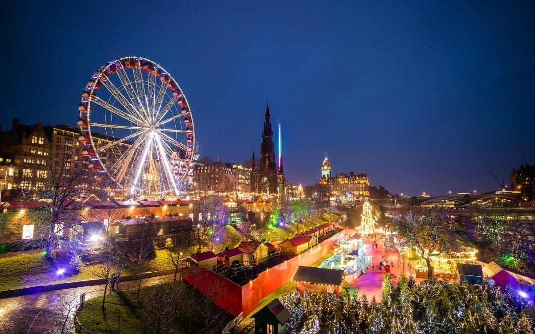edinburgh u2019s christmas begins with light night extravaganza