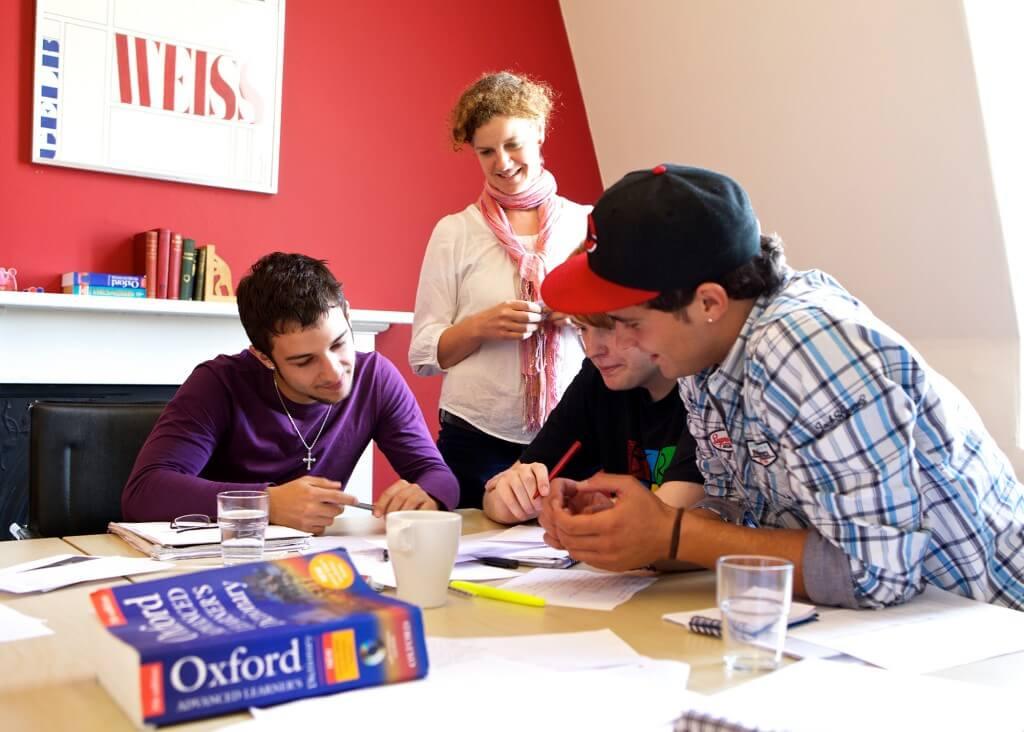 A - inlingua Edinburgh - Students - Classroom