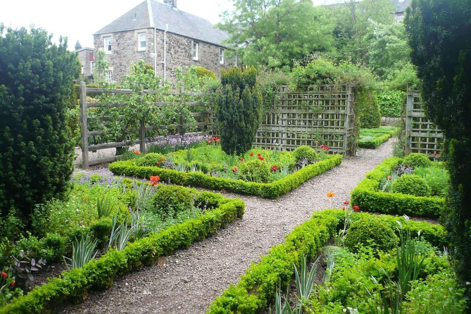 Dunbar's_Close_Garden